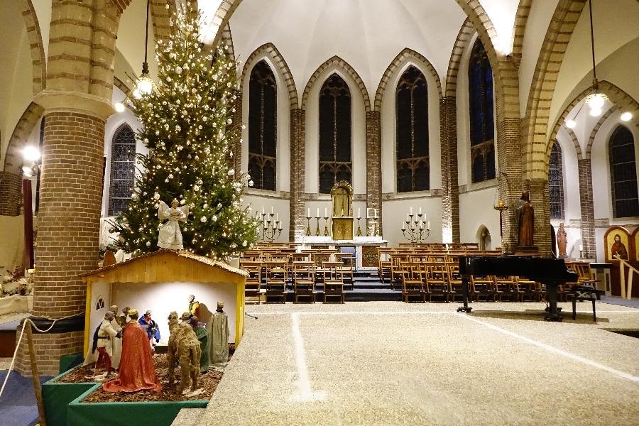 191211-01-Sint-Ansfriduskerk-kerststal