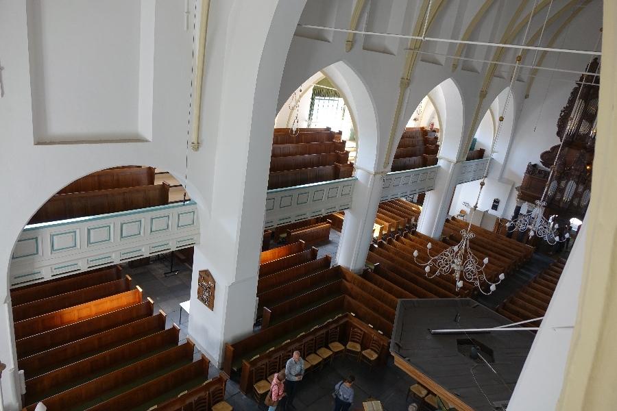 190914-15-Nijkerk-Grote-Kerk-kijkje-uit-het-nonnenluikje