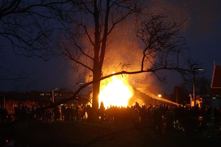 200108-6-Landsmeer-laatste-kerstboomverbranding