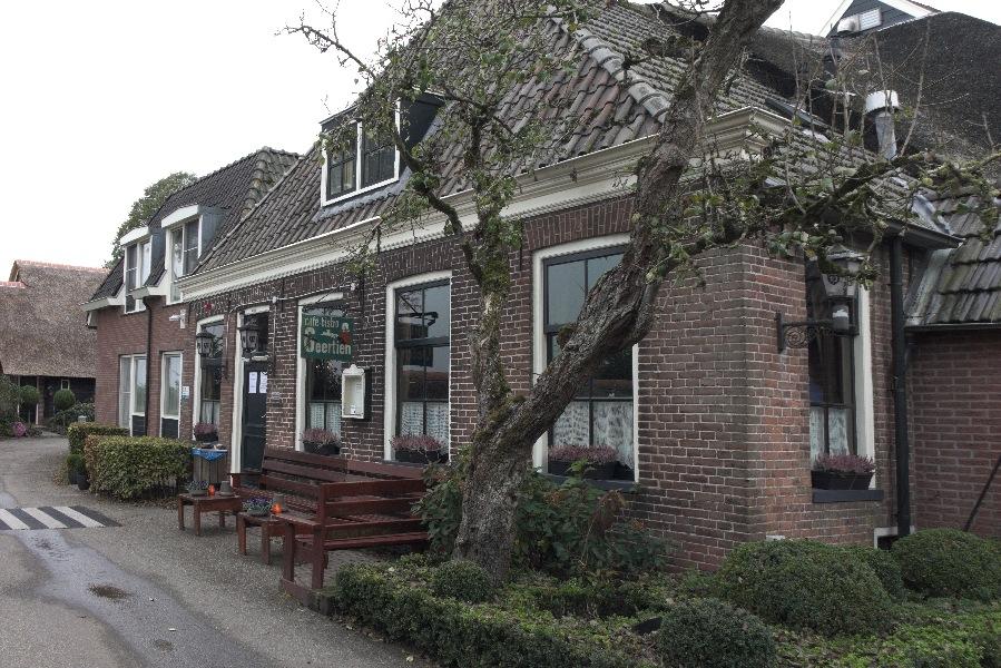 181025-09-Muggenbeet, Café Geertien